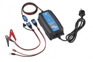 PROSTOWNIK BLUE POWER VICTRON 12V/15A